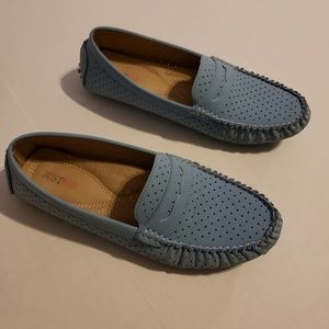 Perforated shoes, sz 10